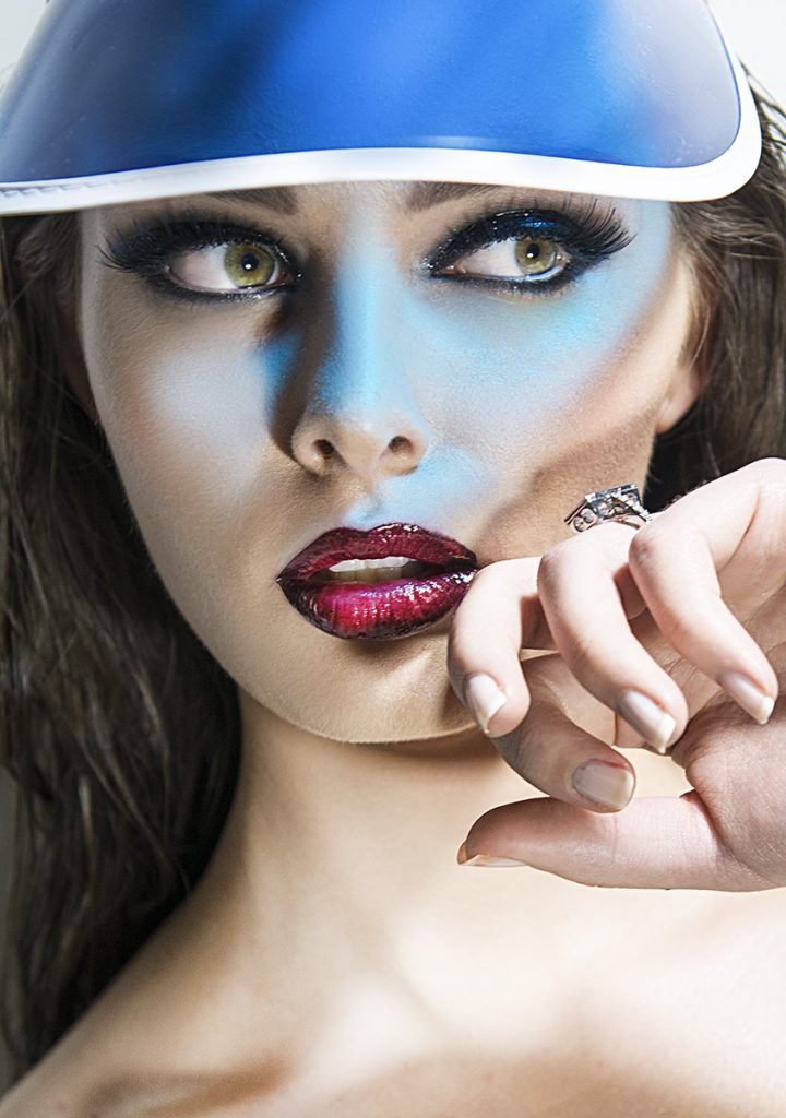 PHOTOGRAPHIC RETOUCHING IN FASHIONPHOTOGRAPHY
